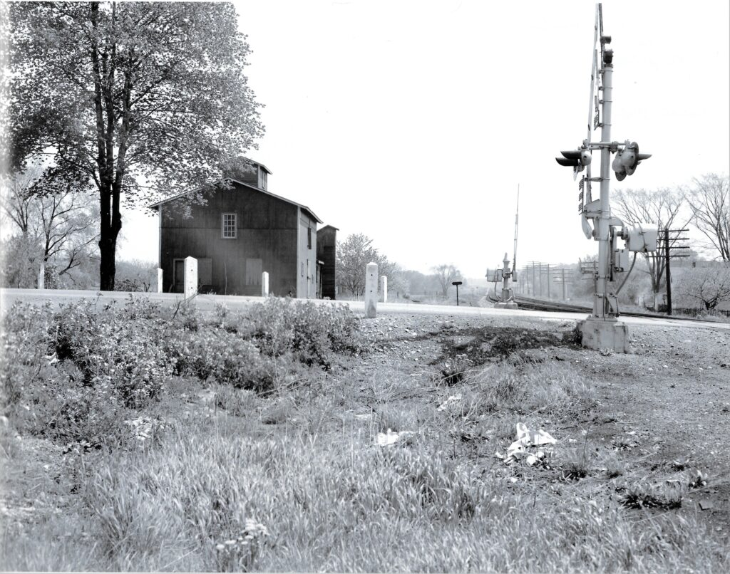 LVRR main line in Mendon, looking east. James DeNardo photo. Honeoye Falls - Town of Mendon Historical Society Collection.