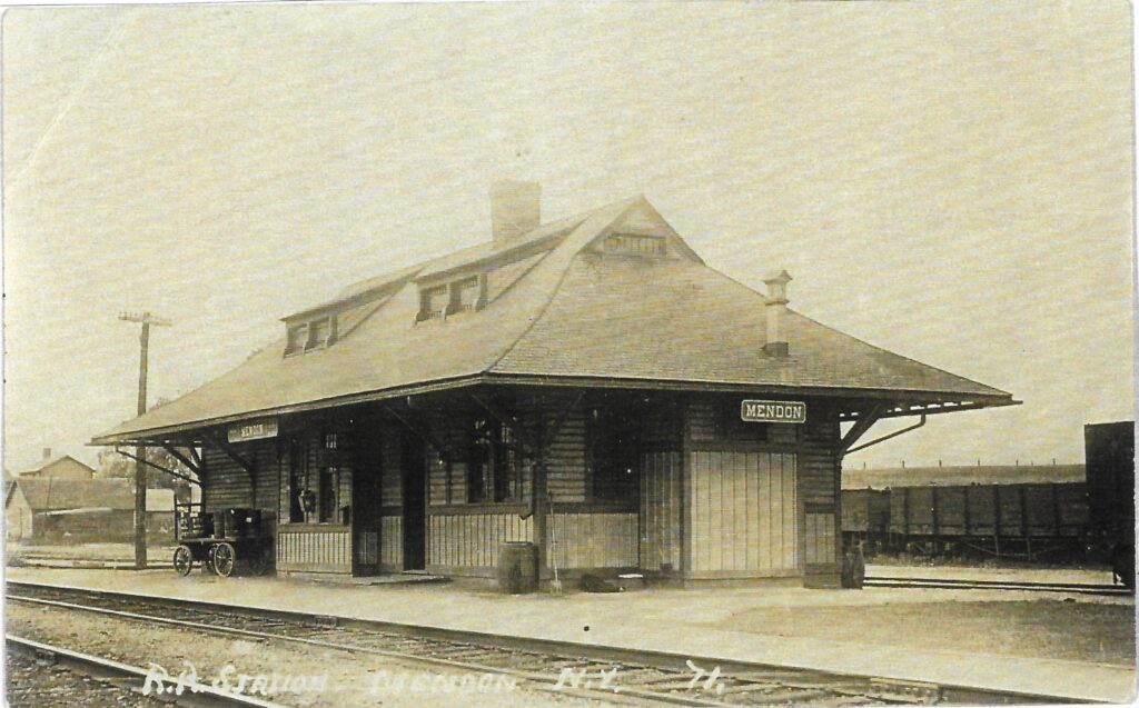 LVRR Mendon Station postcard  undated. Honeoye Falls - Town of Mendon Historical Society Collection.