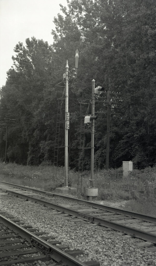 LV eastbound signal 379-2 at Rochester Junction. Collection of Charles Woolever.