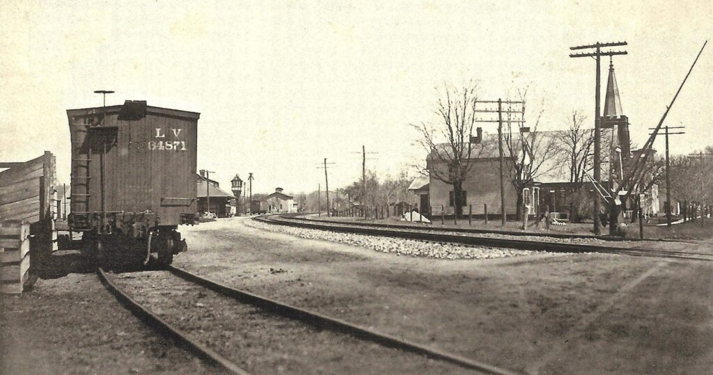 Lehigh Valley Railroad at Mendon NY, Looking eastbound. Taken from the Route 251 grade crossing. This is now Mendon Station Park. Date and photographer unknown. Originally from collection of Jackson Smith. Courtesy of Doug Morgan Collection.