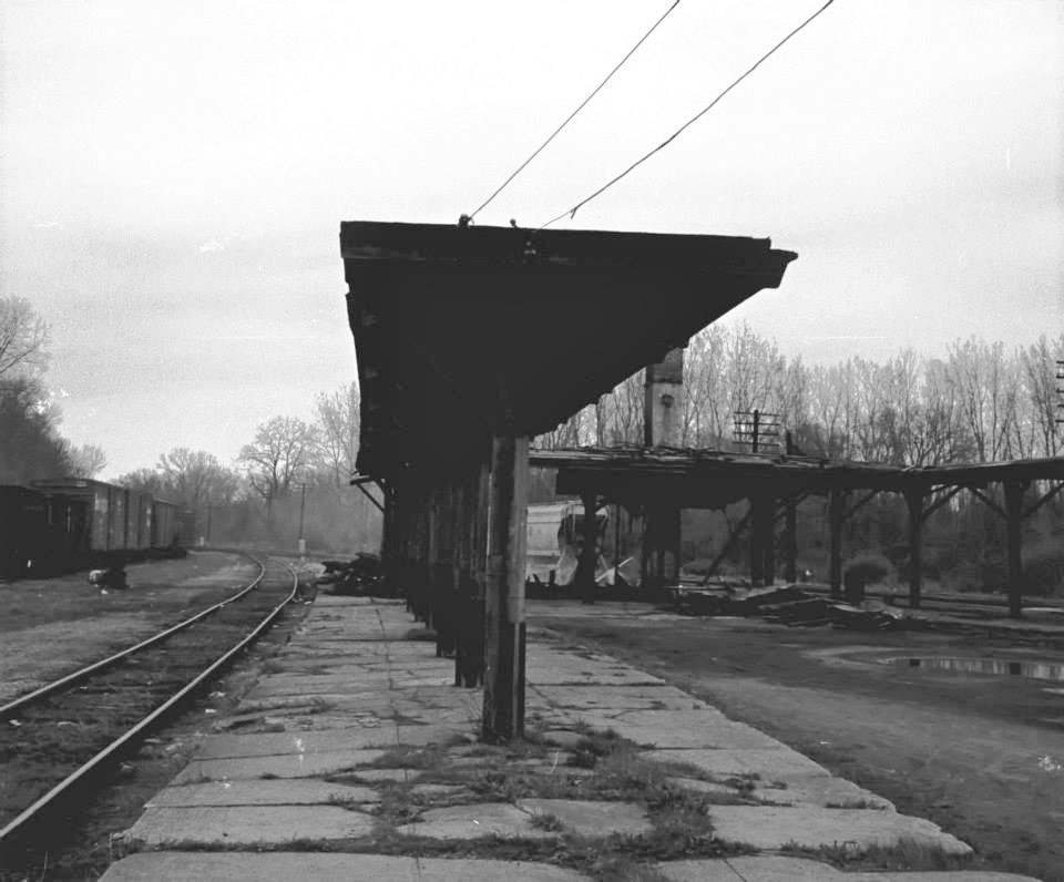 Smoldering remains of the Lehigh Valley's Rochester Jct. station, 24 April 1973. Paul J. Templeton photo.