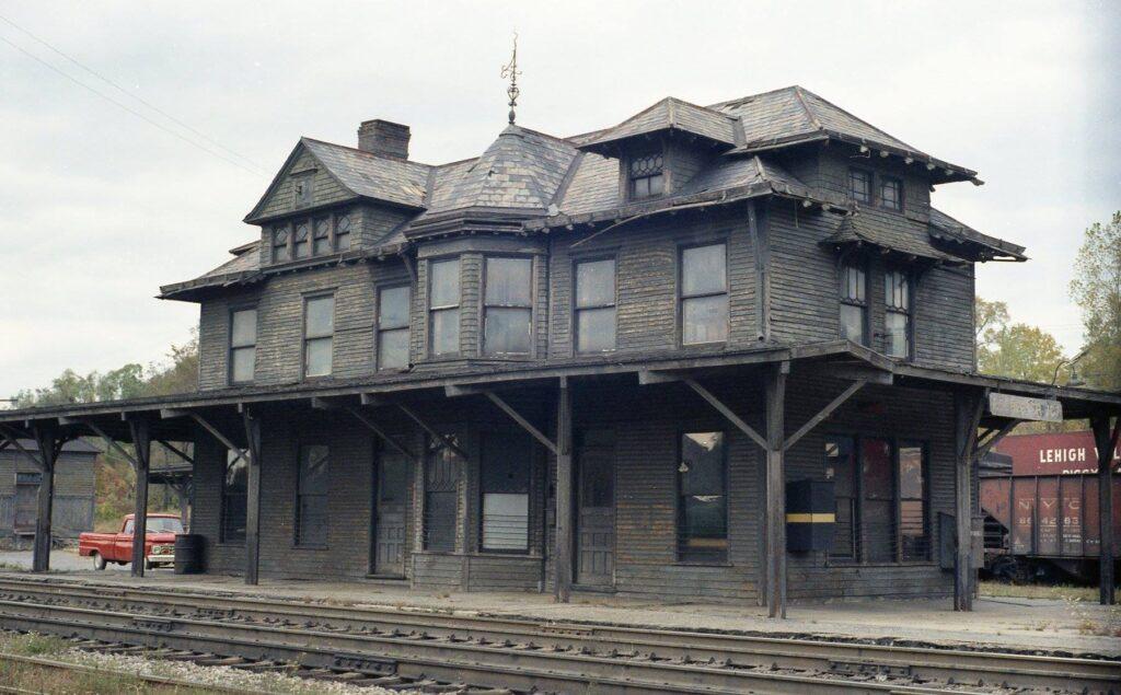 Rochester Junction station, 1960s. John Marshall photo.