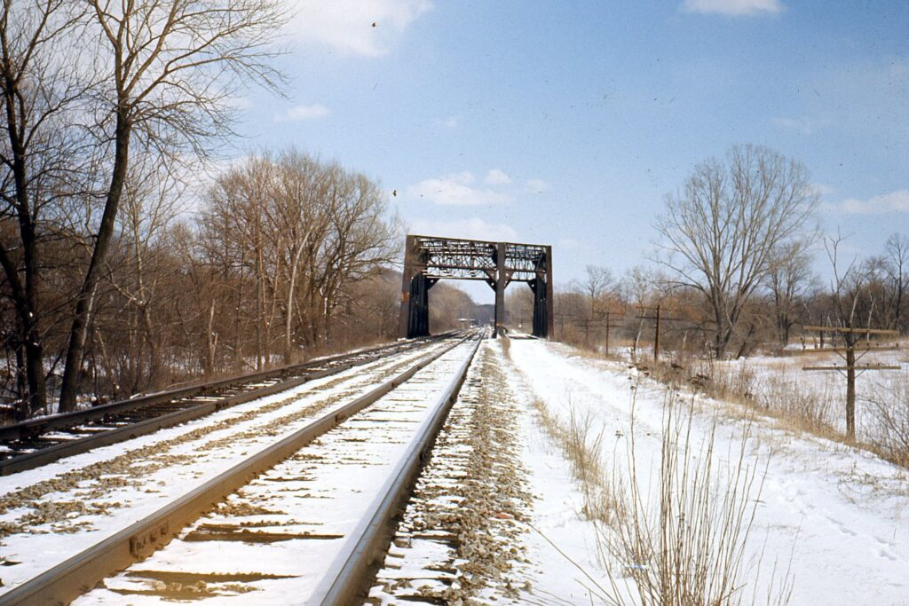 3 track bridge over Honeoye Creek, just west of the Lehigh Valley's Rochester Junction. View is to the east. Date unknown. Ron Amberger photo.
