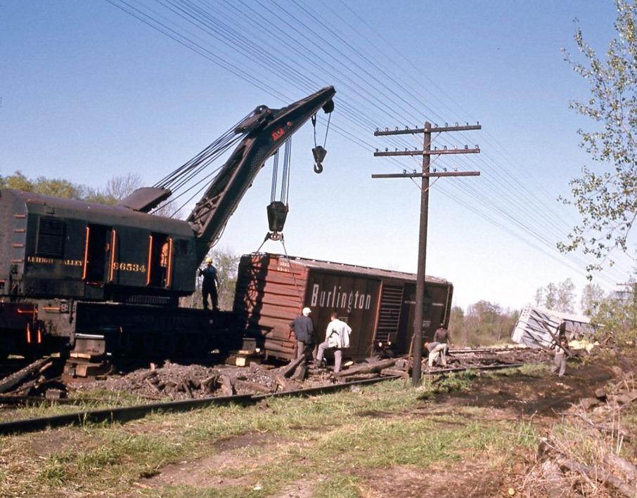 Lehigh Valley railroad wreck at Rush, NY. June 1967. Bill Darron Collection.