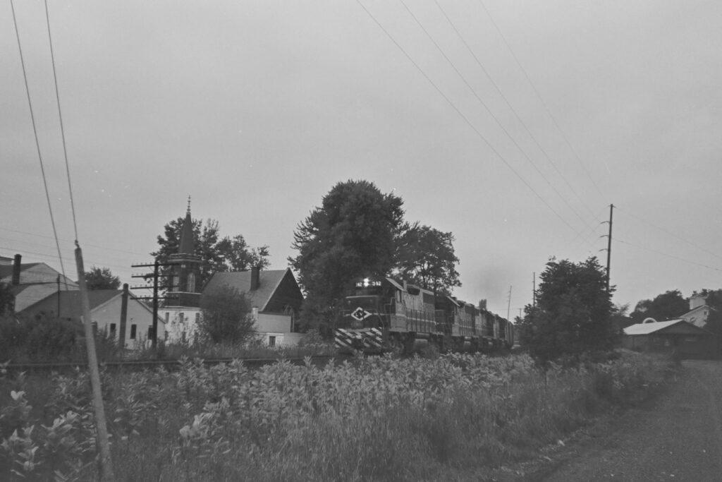 Eastbound Lehigh Valley RR train passing through Mendon, NY, mid-September 1973. Paul J. Templeton photo.