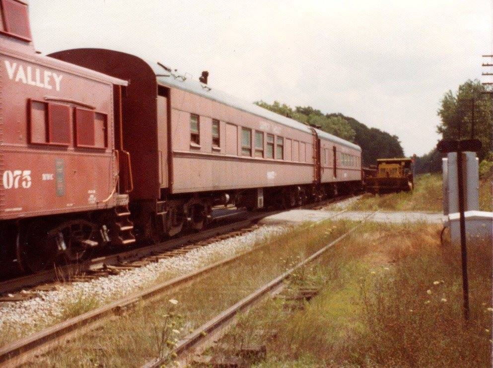 Lehigh Valley-318 with wreck train at Rochester Jct, 08/24/74. Phil Dutcher photo.