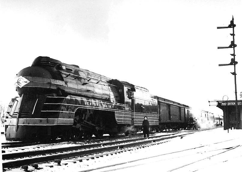 Eastbound Black Diamond at Rochester Junction, 1940. Photographer unknown.