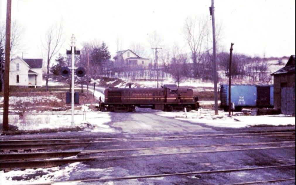 Switching the Rochester Branch at Rochester Junction. Date unknown. Bob Zimmermann photo.