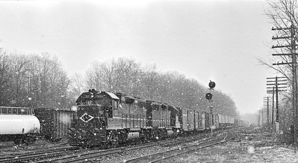 Lehigh Valley train ME 1 at Rochester Junction, March 11, 1976. Richard Jahn photo.
